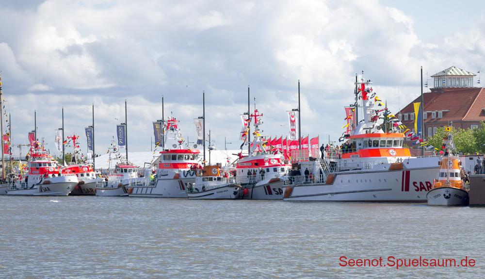 Rickmer Bock und andere Seenotrettungskreuzer.
