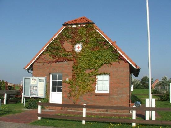 'neues' Rettungsgebäude der DGzRS am Langeooger Hafen, 2006