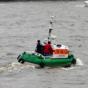 SRB Max Carstensen auf der Elbe, 2010.