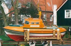 SRB Gesina als Museumsschiff am Wangerooger alten Leuchtturm.